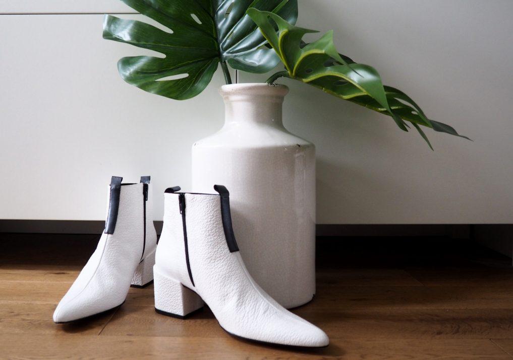 I'm loving white boots www.styleandsubstance.uk